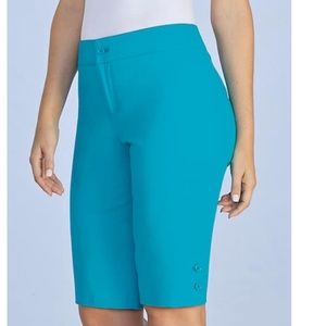 Monroe & Main Blue Button Bermuda Shorts 16W